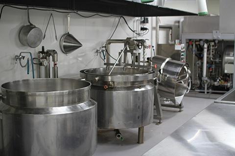 三國屋 工場 味付調味室